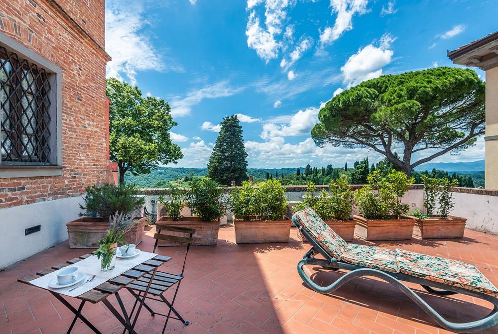 apartments-with-private-terrace-in-tuscany