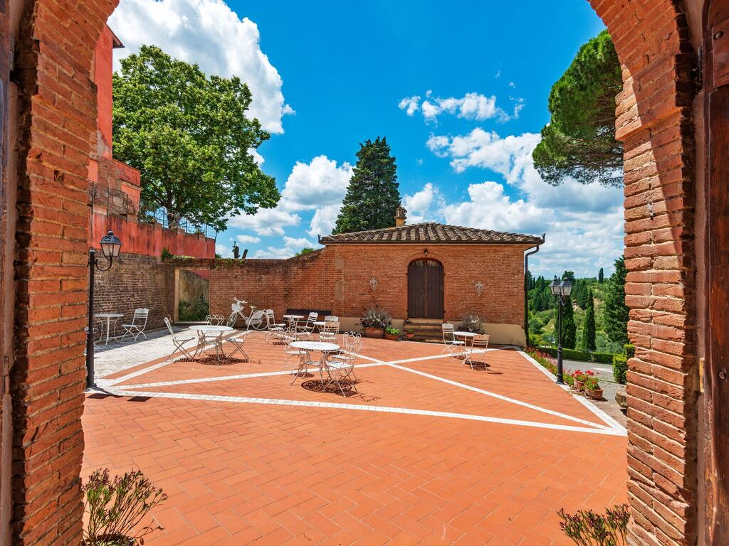 Tuscany accommodation with children