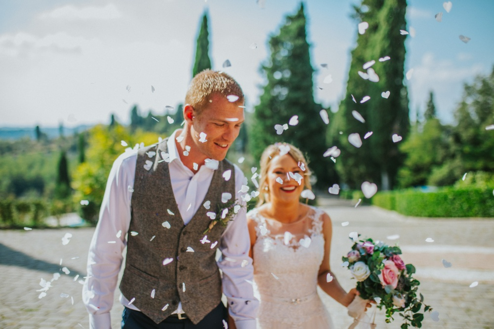 bride and groom celebations private villa tuscany