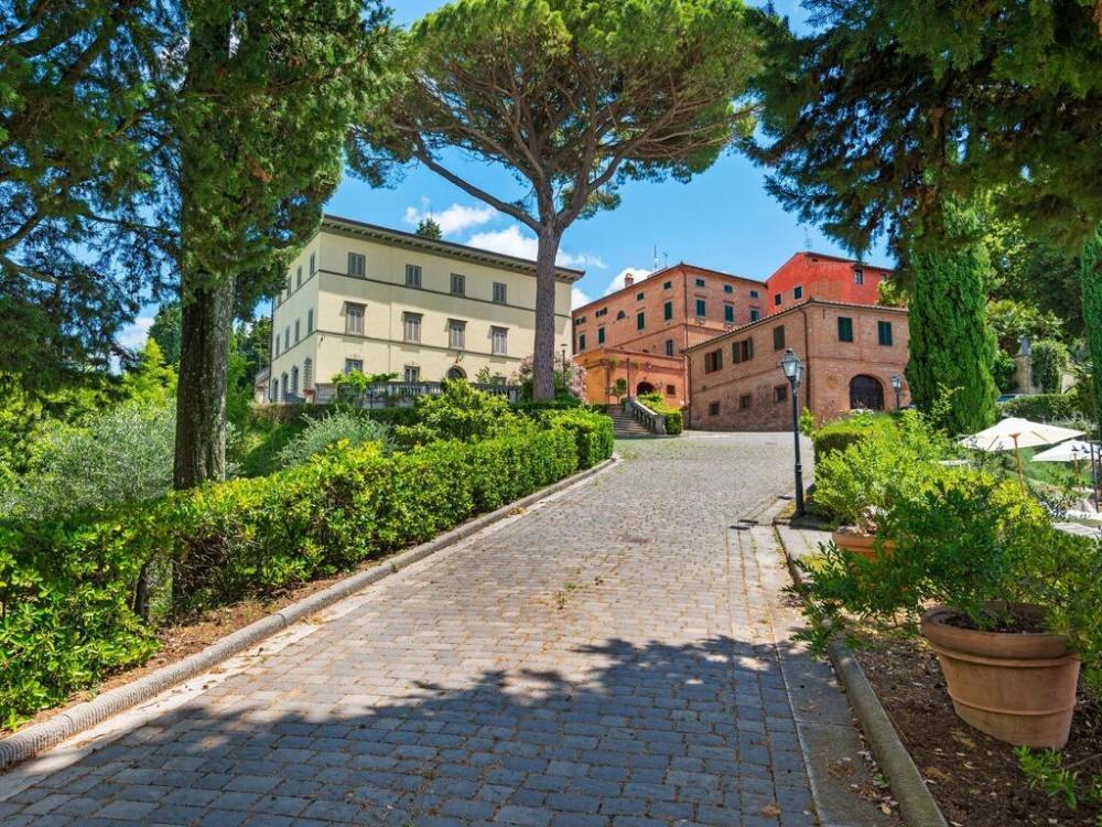 Apartments in Tuscany Villa 2021