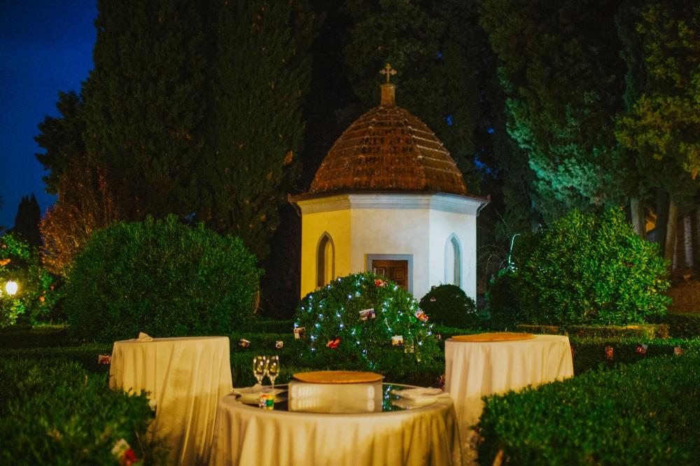 cutting-the-cake-table-wedding-day-wedding-venue-tuscany