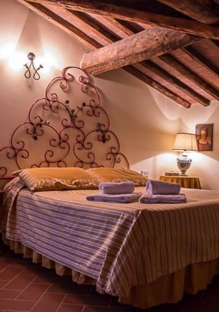 apartment for vacation in Tuscany, double bedroom
