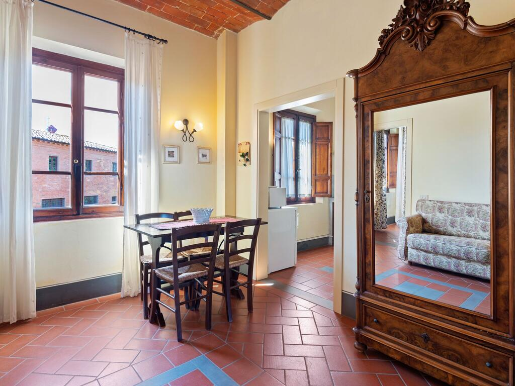 Apartments in Tuscany for family with children