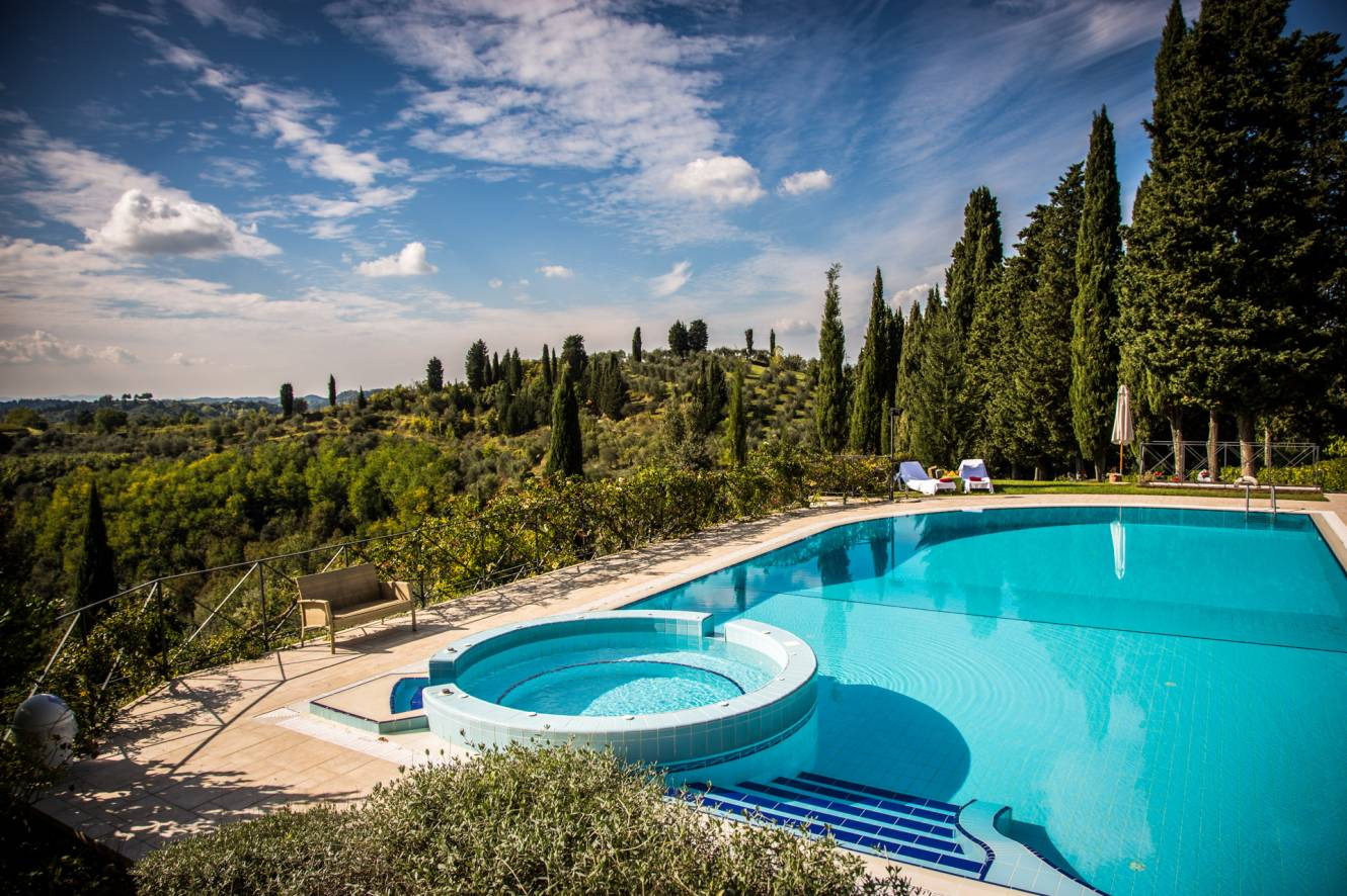 holiday-accommodation-in-tuscany-with-swimming-pool