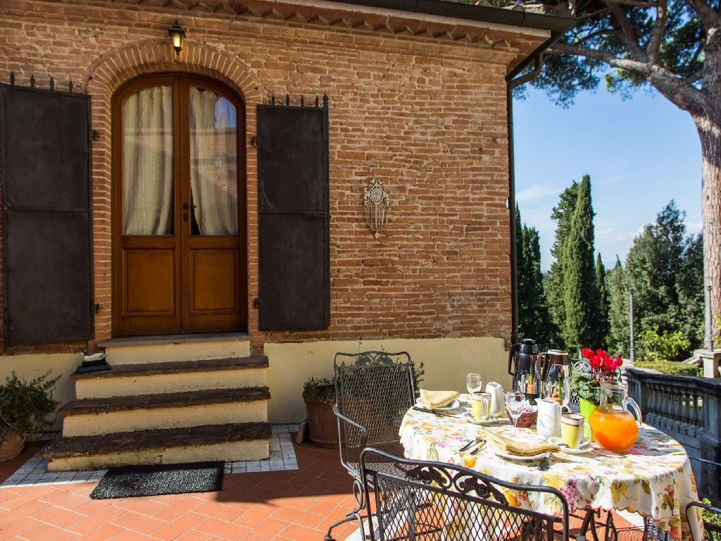 Holiday house in Tuscany, homemade breakfast outdoor