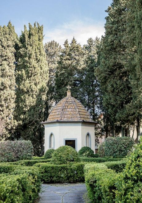 private chapel for religious weddings in a Tuscan Villa