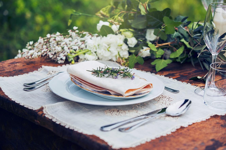 Luxurious wedding table set up villa Tuscany