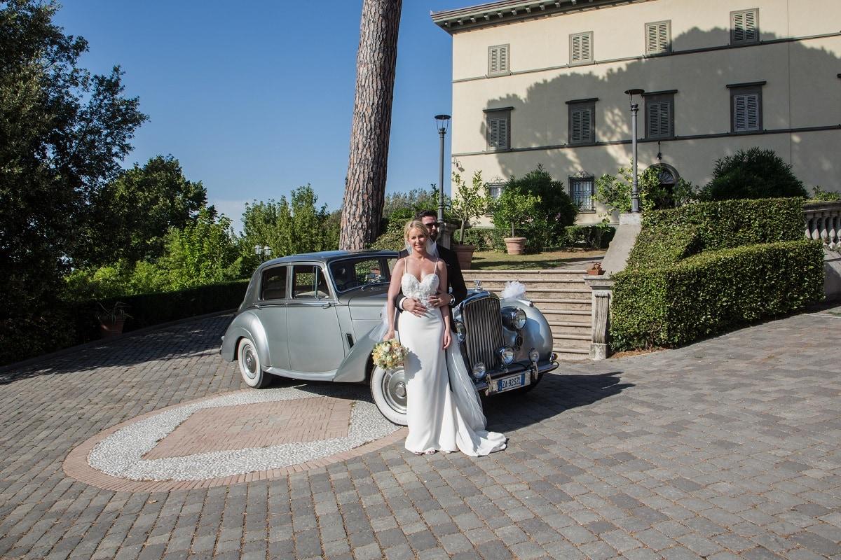 real wedding historical wedding villa tuscany vintage car