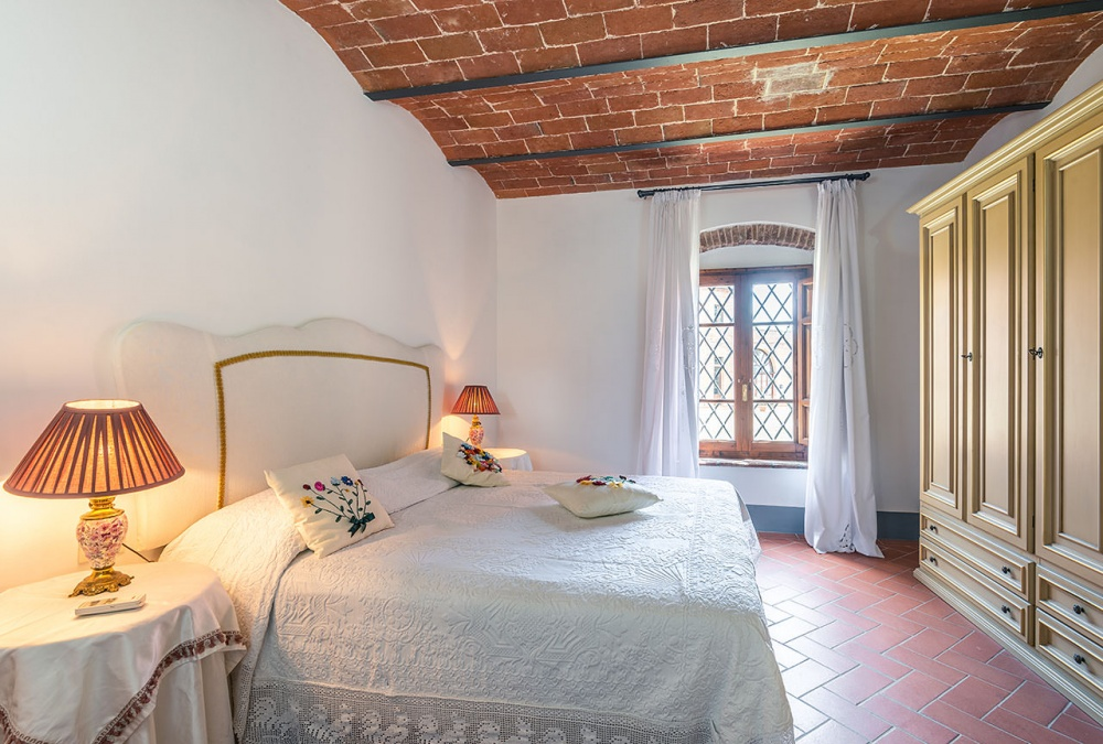 Romantic stay for couples in Tuscany
