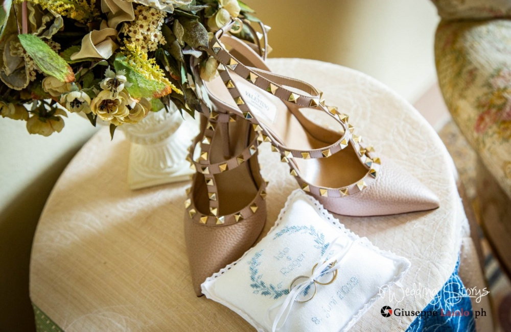 shoes-of-the-bride-wedding-in-tuscany