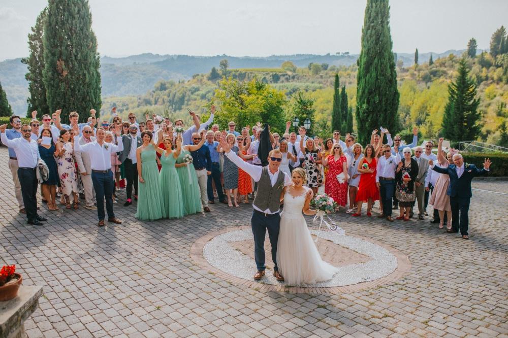 wedding-guests-private-villa-tuscany