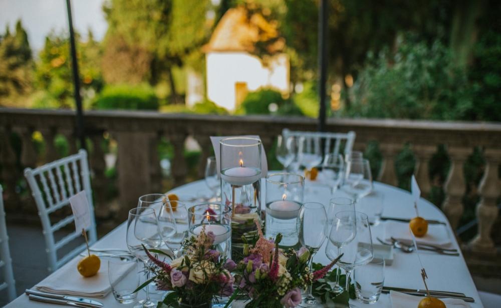 wedding-table-set-up-wedding-day-old-venue-tuscany