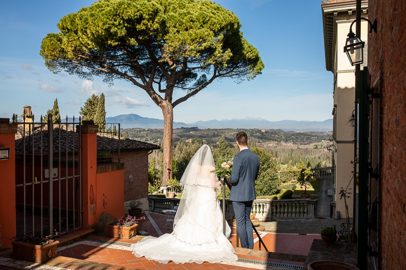 villa-for-weddings-with-view-in-tuscany