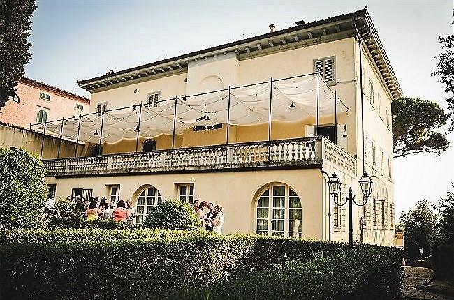 real-weddings-at-borgo-bucciano-villas-tuscany